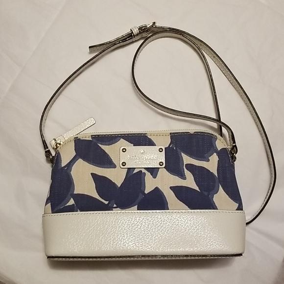 kate spade Handbags - Kate Spade  crossbody bag.